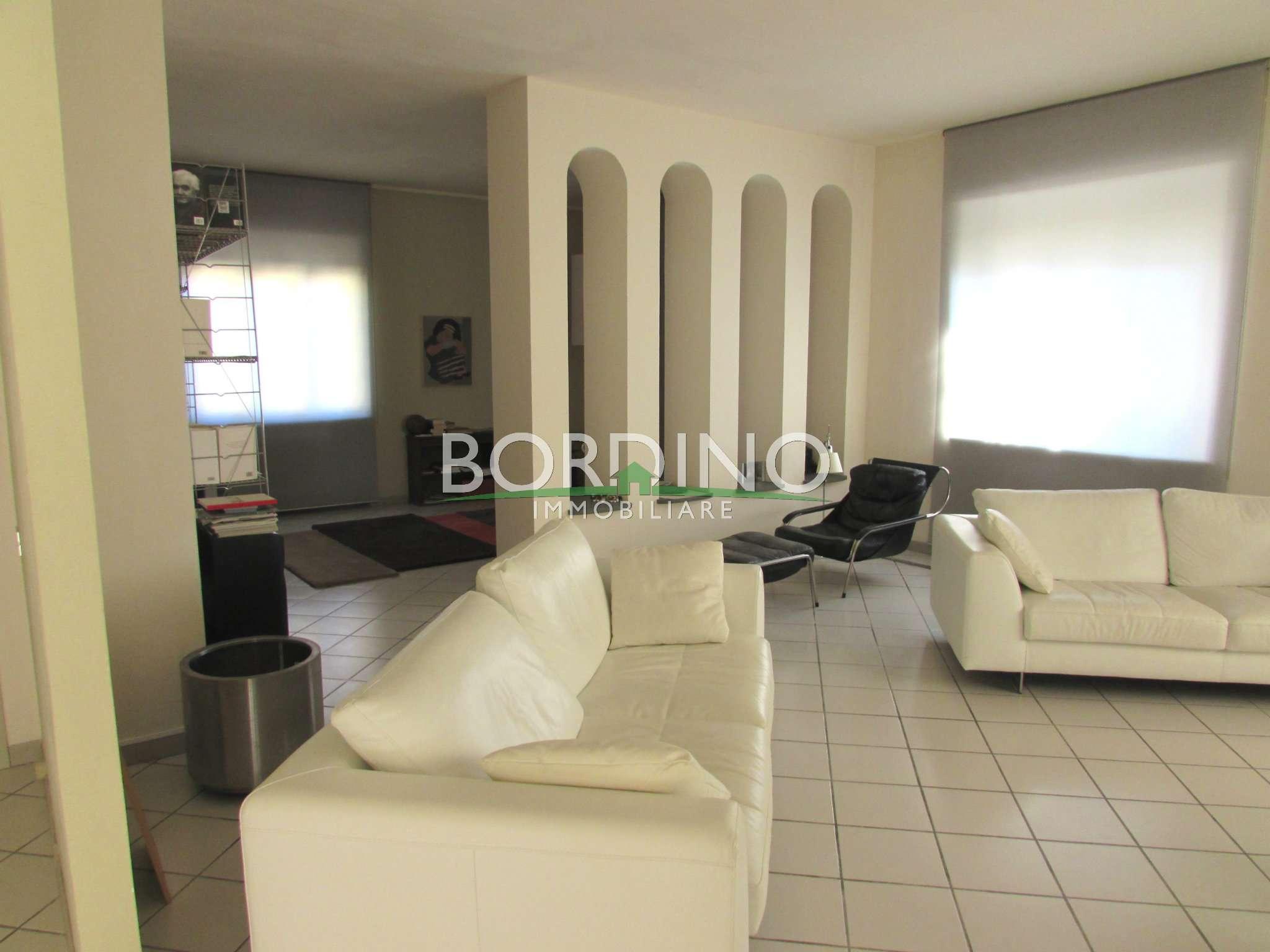 Villa in vendita a Govone, 4 locali, prezzo € 245.000 | CambioCasa.it