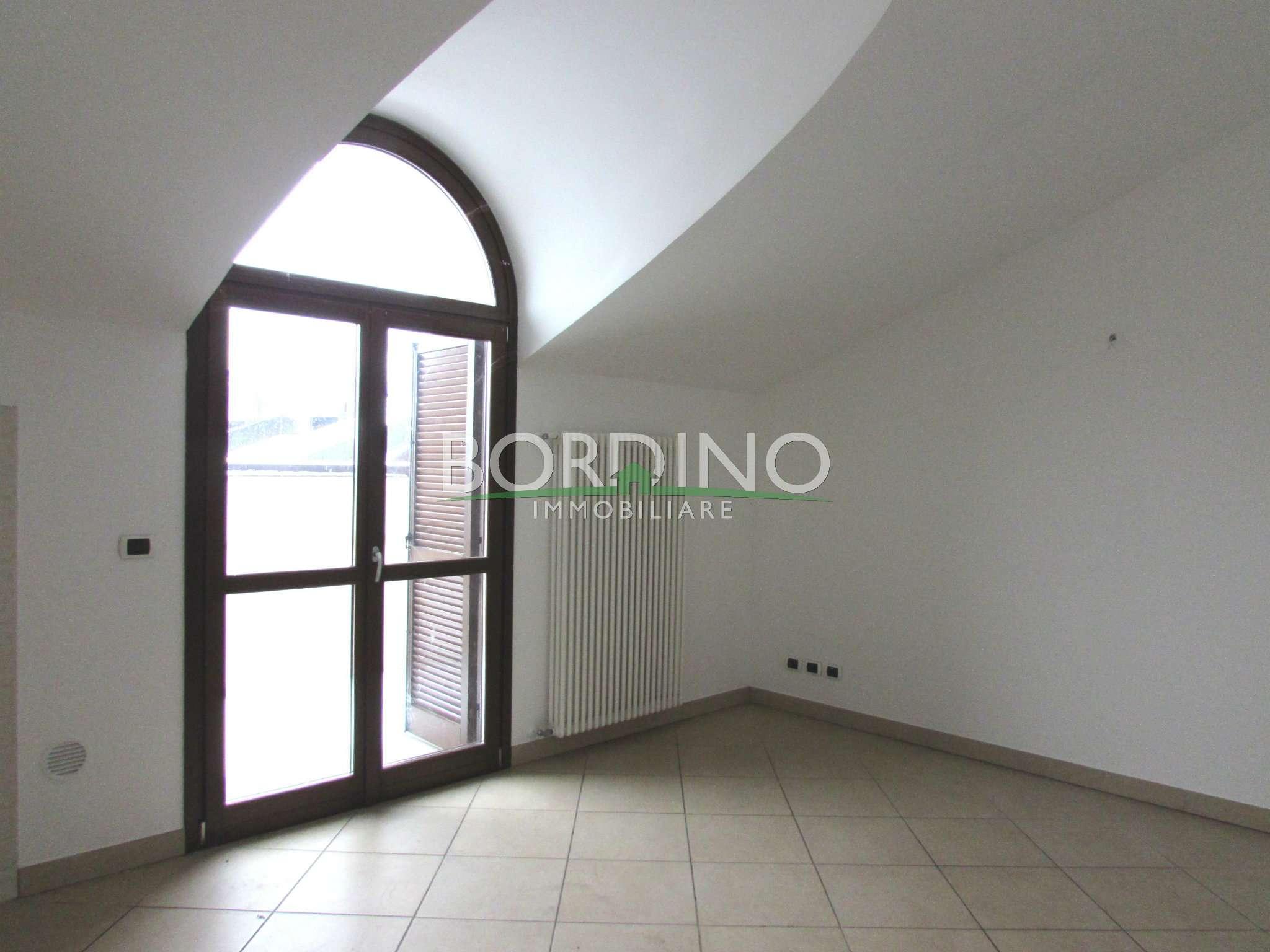 Appartamento in affitto a Magliano Alfieri, 3 locali, prezzo € 420 | CambioCasa.it