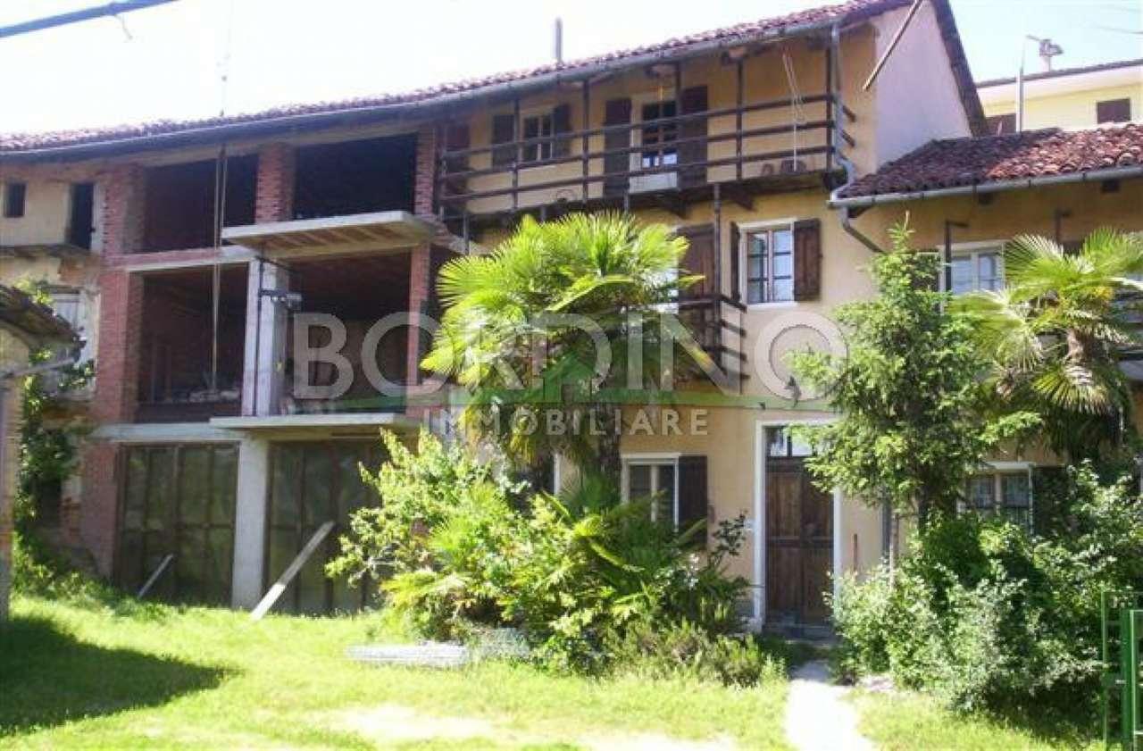 Rustico / Casale in vendita a Cisterna d'Asti, 7 locali, prezzo € 105.000   CambioCasa.it