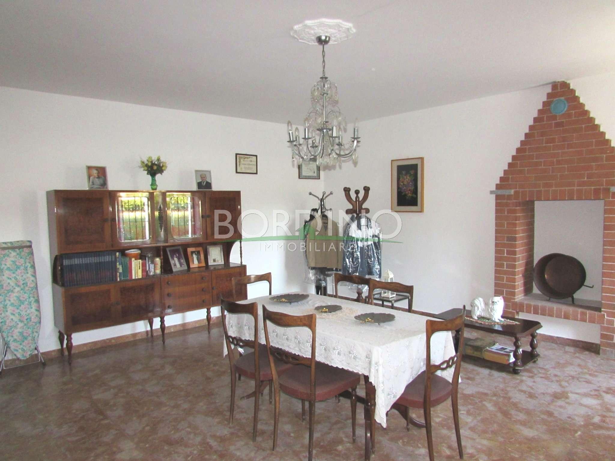 Rustico / Casale in vendita a Priocca, 4 locali, prezzo € 80.000 | CambioCasa.it
