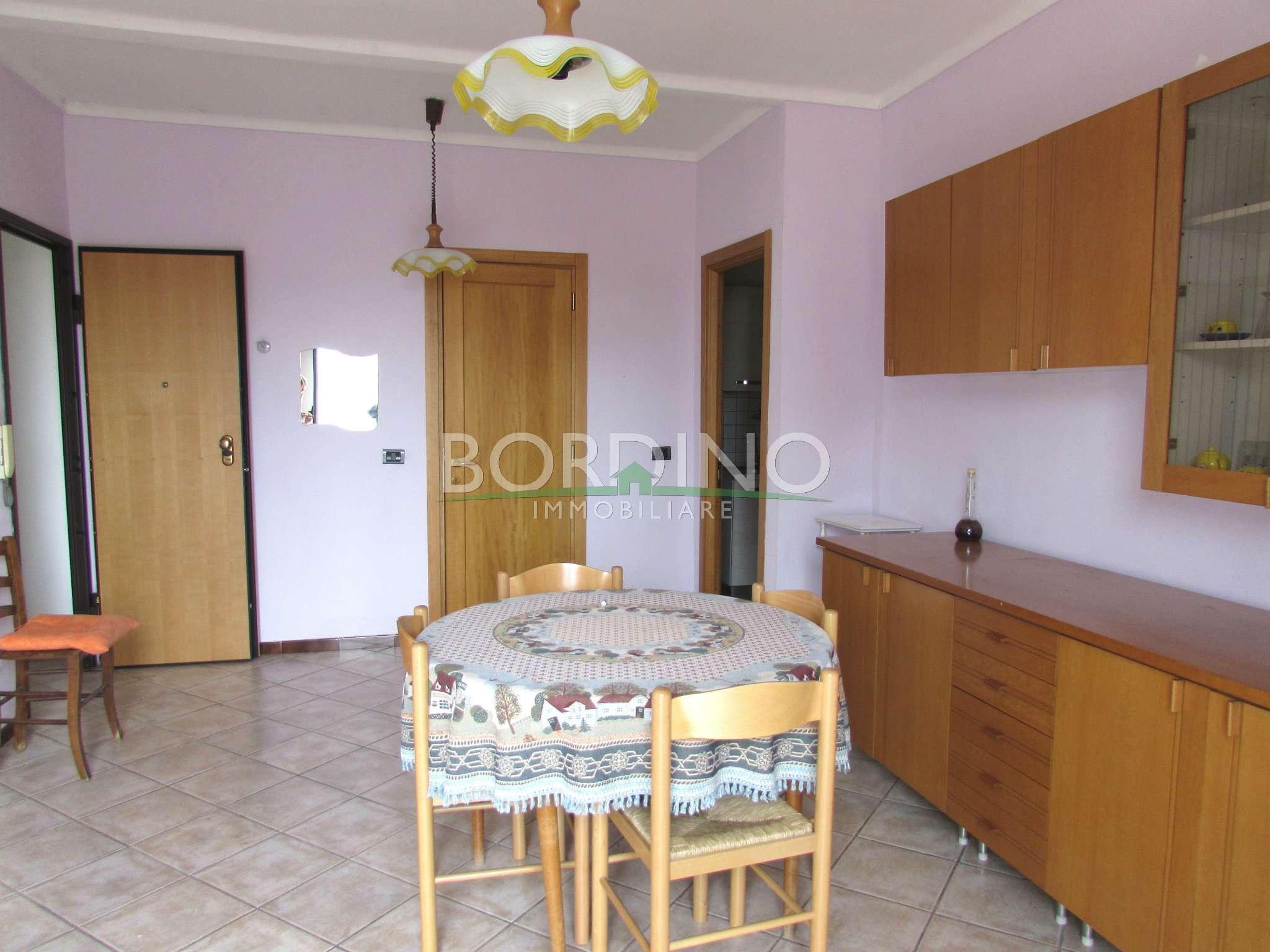 Appartamento in affitto a Govone, 3 locali, prezzo € 370 | Cambio Casa.it