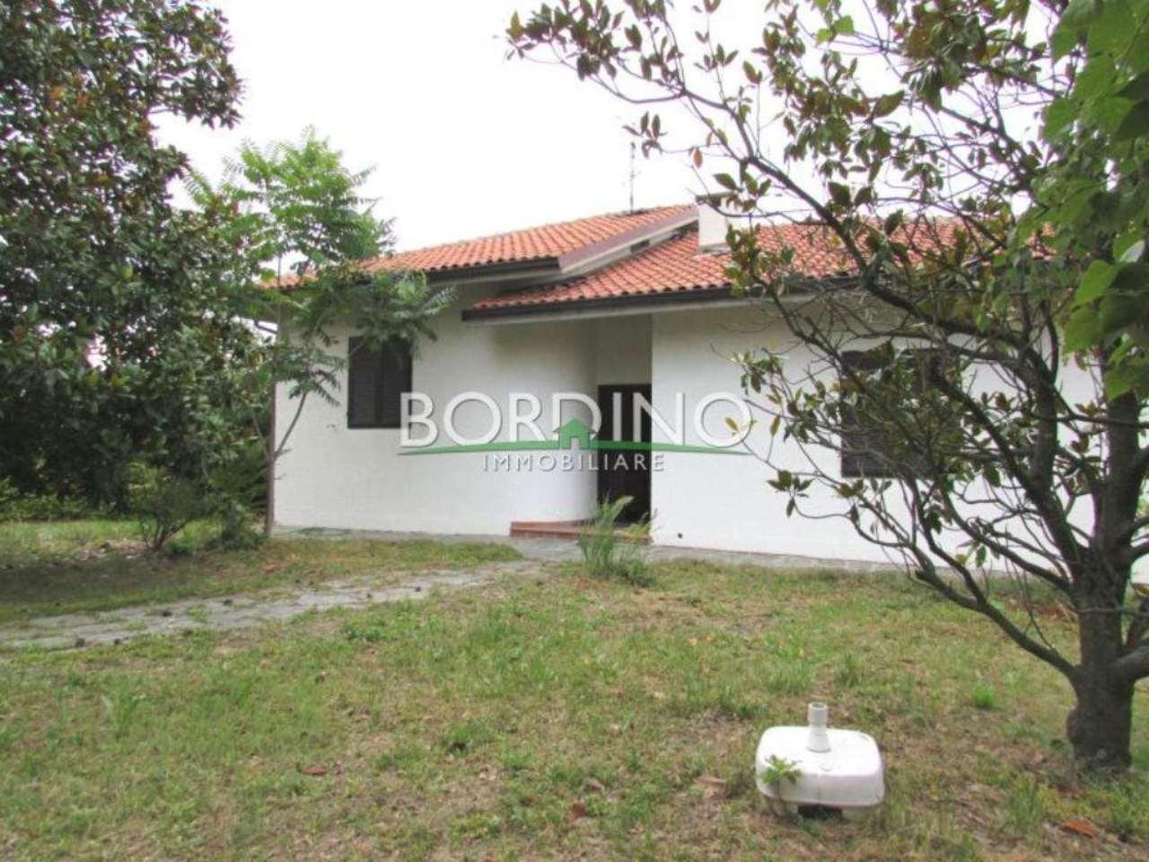 Villa in vendita a Mango, 4 locali, prezzo € 250.000 | Cambio Casa.it