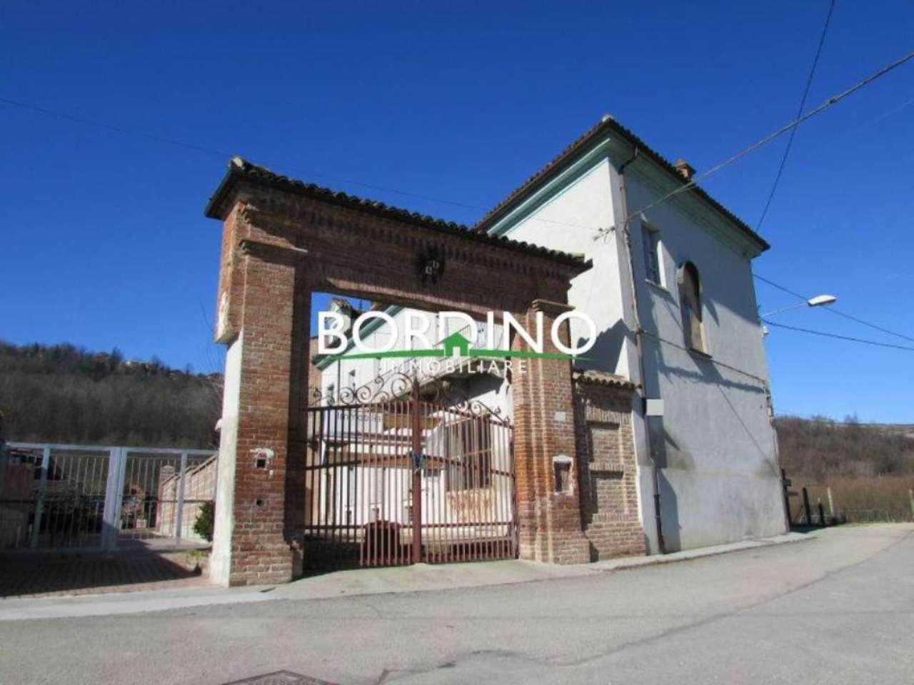 Soluzione Indipendente in vendita a Magliano Alfieri, 6 locali, prezzo € 135.000 | Cambio Casa.it