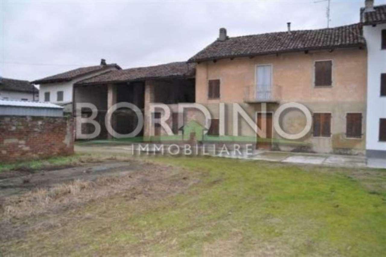 Rustico / Casale in vendita a Govone, 5 locali, prezzo € 75.000 | Cambio Casa.it