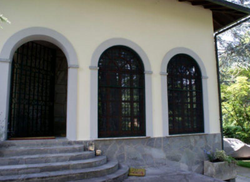 Villa in vendita a Godiasco, 6 locali, prezzo € 800.000 | CambioCasa.it