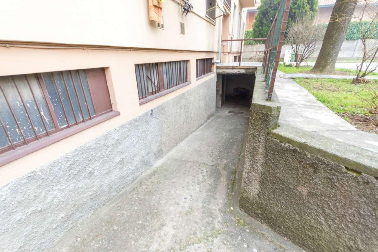 Deposito Logistica in vendita a Lissone-http://media.getrix.it/1/90/2575075955.jpg