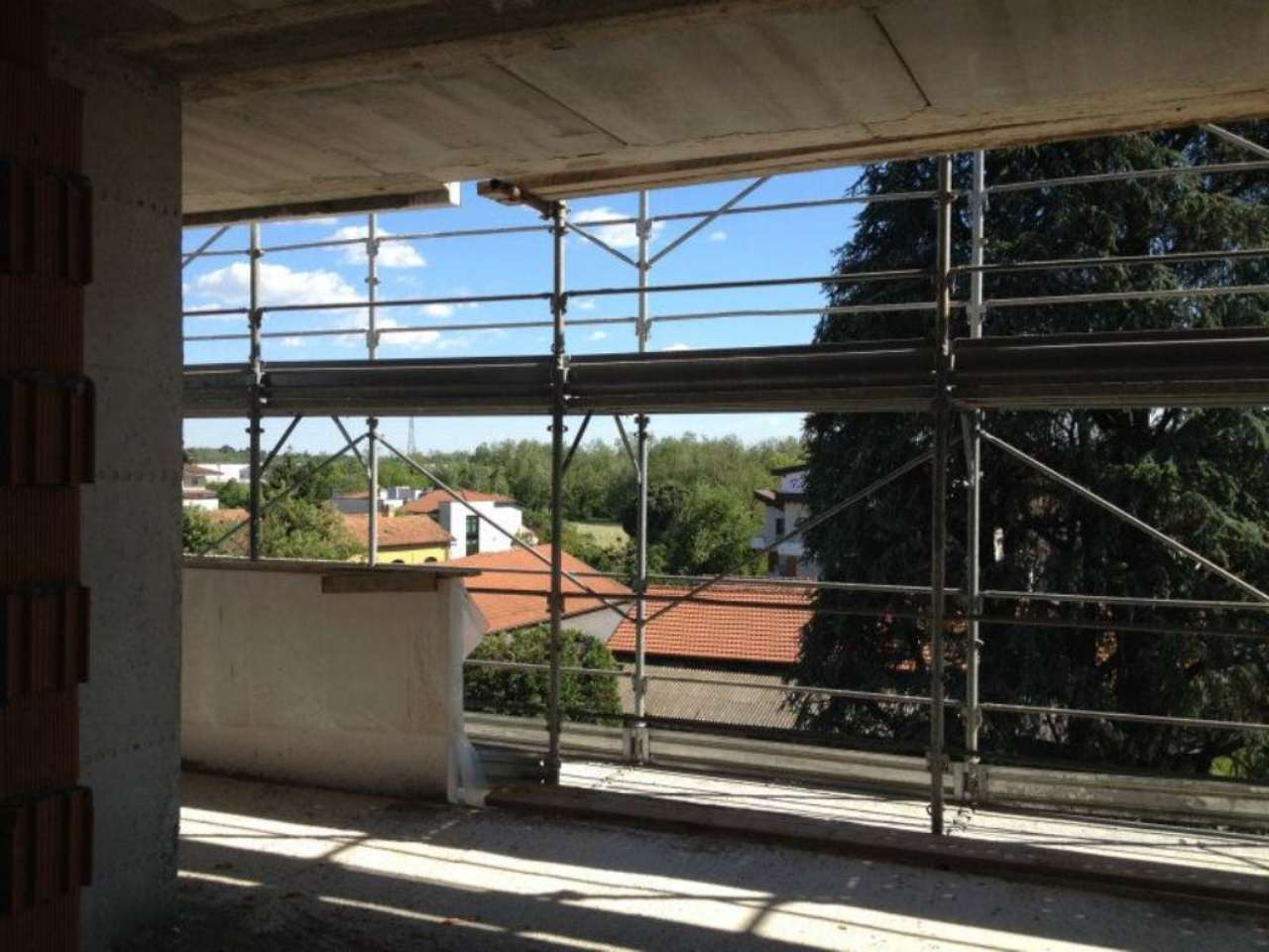 Bilocale Usmate Velate Via Stazione 9