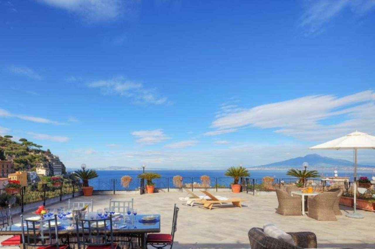 Attico / Mansarda in vendita a Sorrento, 10 locali, Trattative riservate | Cambio Casa.it