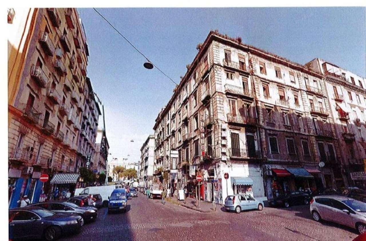 Palazzo / Stabile in vendita a Napoli, 35 locali, zona Zona: 4 . San Lorenzo, Vicaria, Poggioreale, Zona Industriale, Centro Direzionale, prezzo € 2.100.000 | Cambio Casa.it