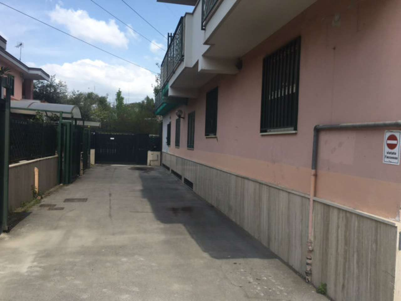 Negozio / Locale in vendita a Melito di Napoli, 5 locali, prezzo € 150.000 | Cambio Casa.it