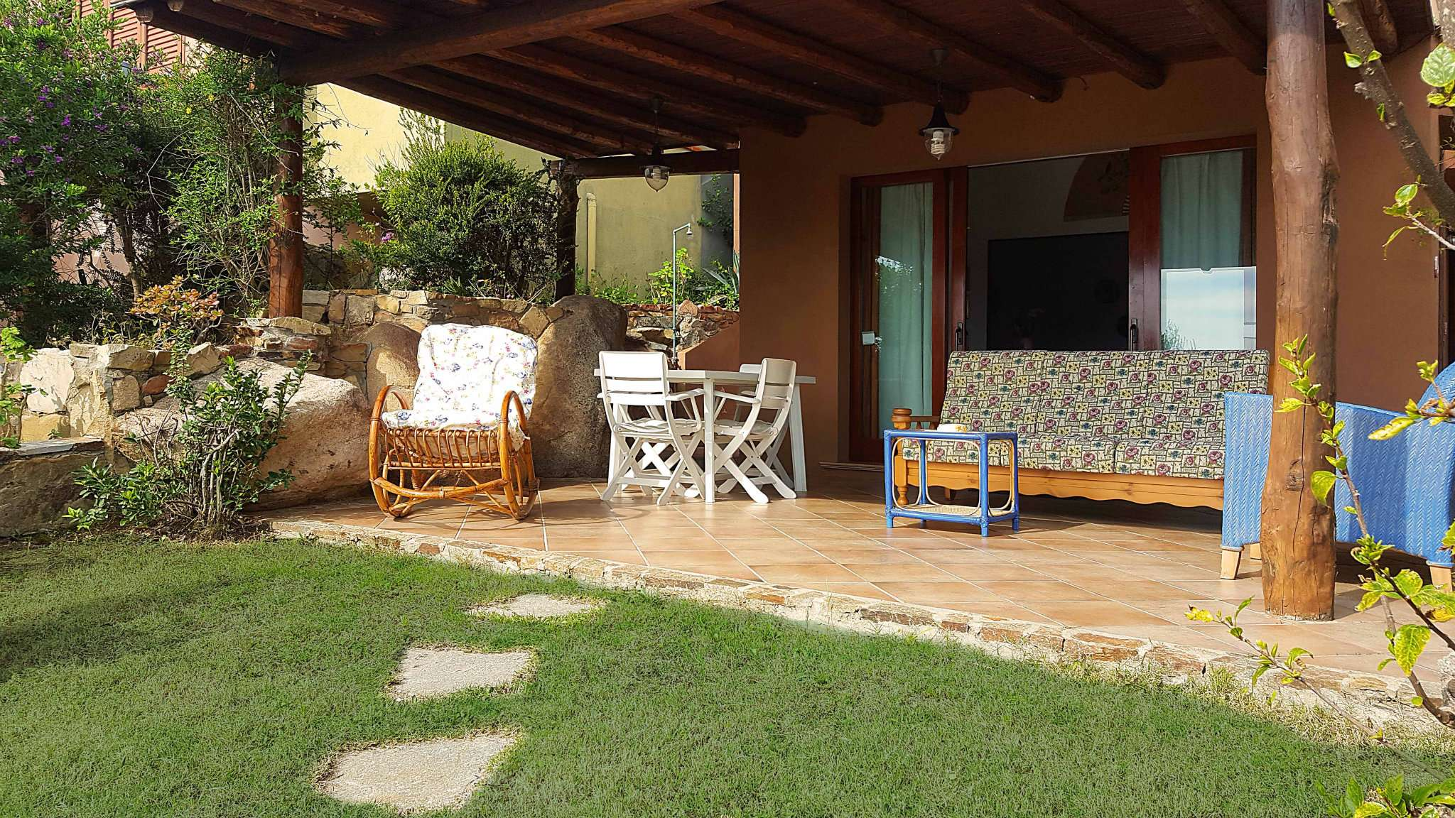 Villasimius appartamento con giardino di proprietà di 6/8 posti letto Rif.10664955