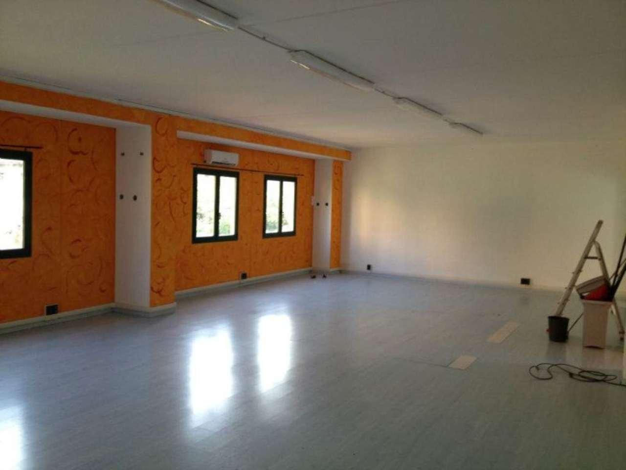 Laboratorio in affitto a Arenzano, 9999 locali, prezzo € 1.300 | Cambio Casa.it