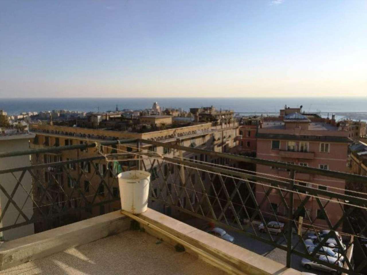 Appartamento in affitto a Genova, 6 locali, prezzo € 1.000 | Cambio Casa.it