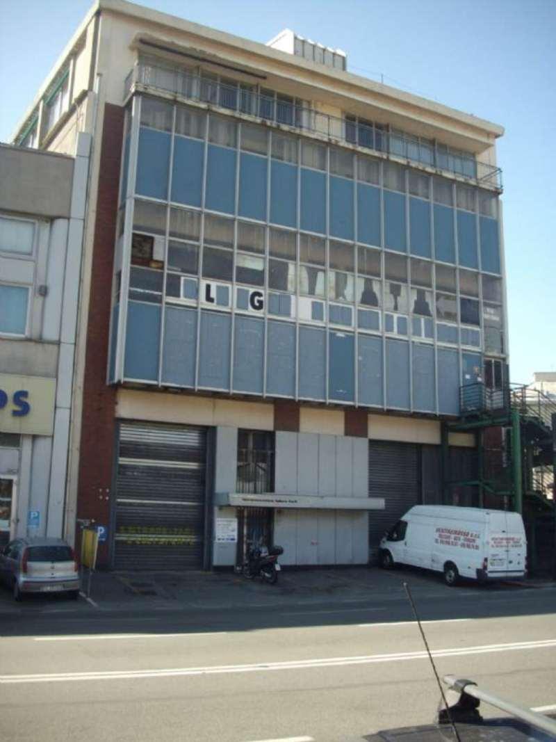 Capannone in vendita a Genova, 9999 locali, prezzo € 3.000.000 | Cambio Casa.it