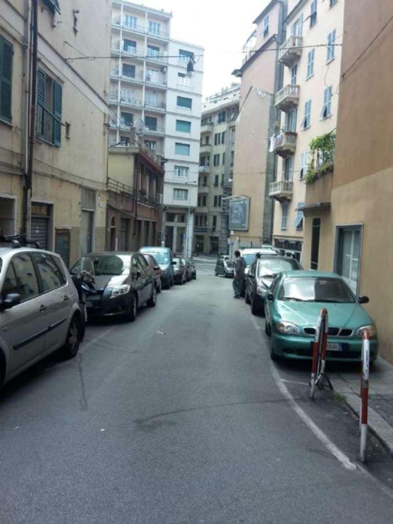 Negozio / Locale in affitto a Genova, 5 locali, zona Zona: 8 . Sampierdarena, Certosa-Rivarolo, Centro Ovest, S.Teodoro, Trattative riservate | CambioCasa.it