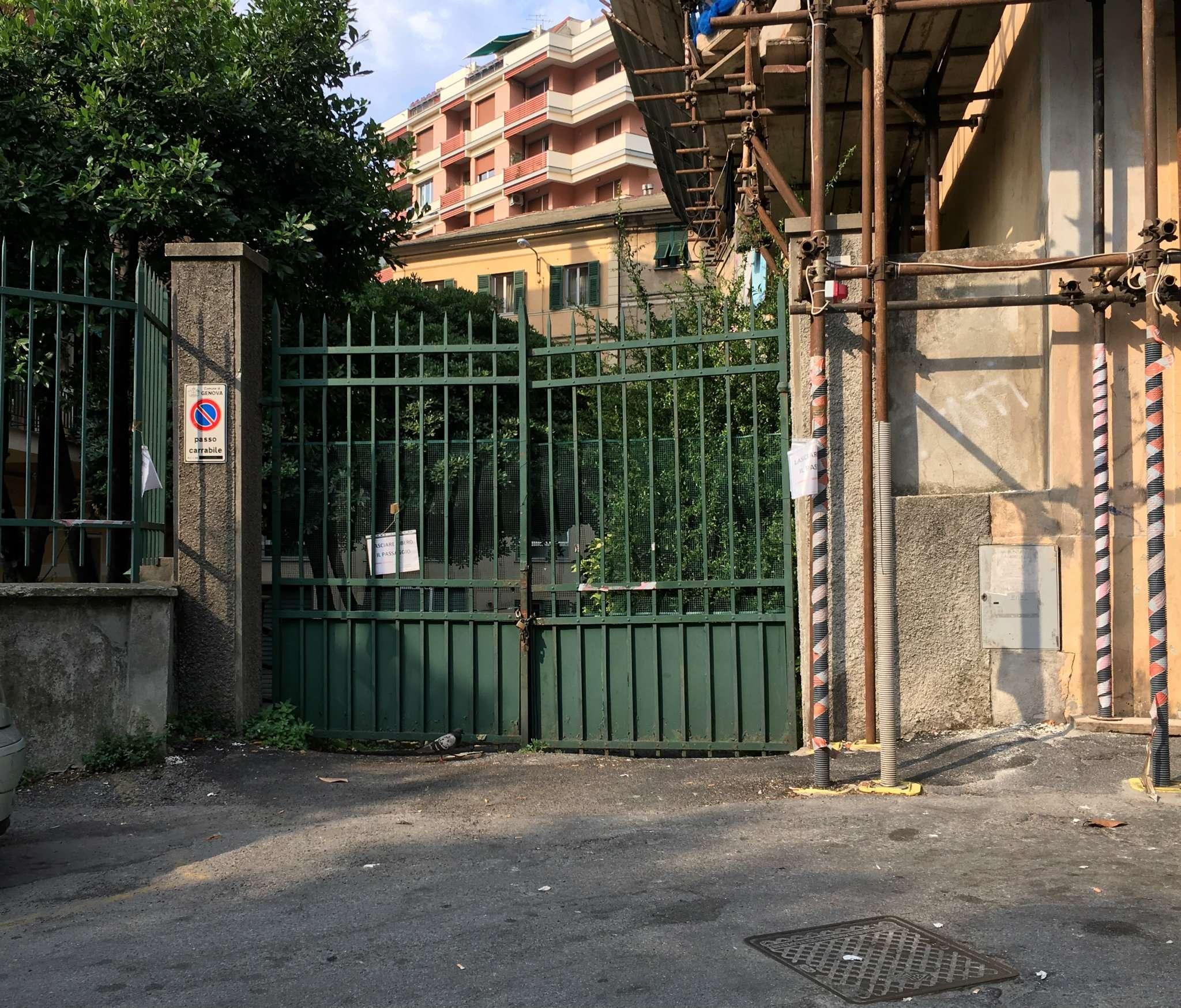 Magazzino in Affitto a Genova