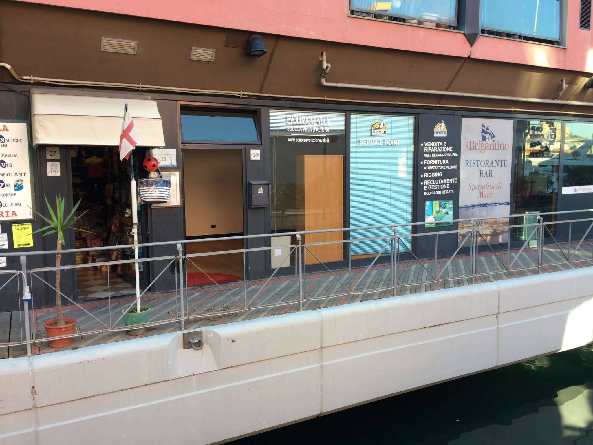 Negozio / Locale in vendita a Genova, 1 locali, prezzo € 130.000 | CambioCasa.it
