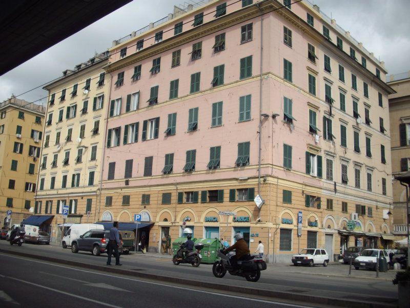 Appartamento in vendita a Genova, 5 locali, prezzo € 175.000 | Cambio Casa.it