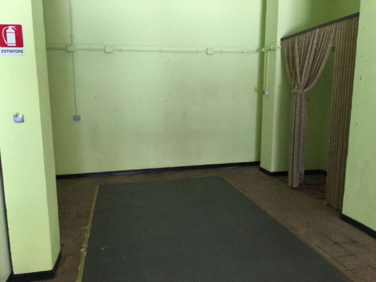 Negozio / Locale in affitto a Genova, 2 locali, zona Zona: 5 . Marassi-Staglieno, prezzo € 550 | CambioCasa.it