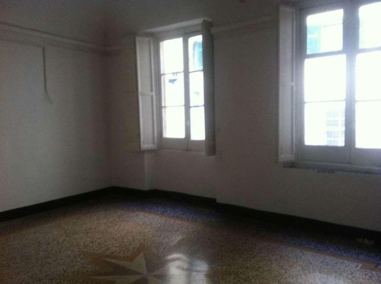 Ufficio / Studio in affitto a Genova, 3 locali, zona Zona: 1 . Centro, Centro Storico, prezzo € 550 | Cambio Casa.it