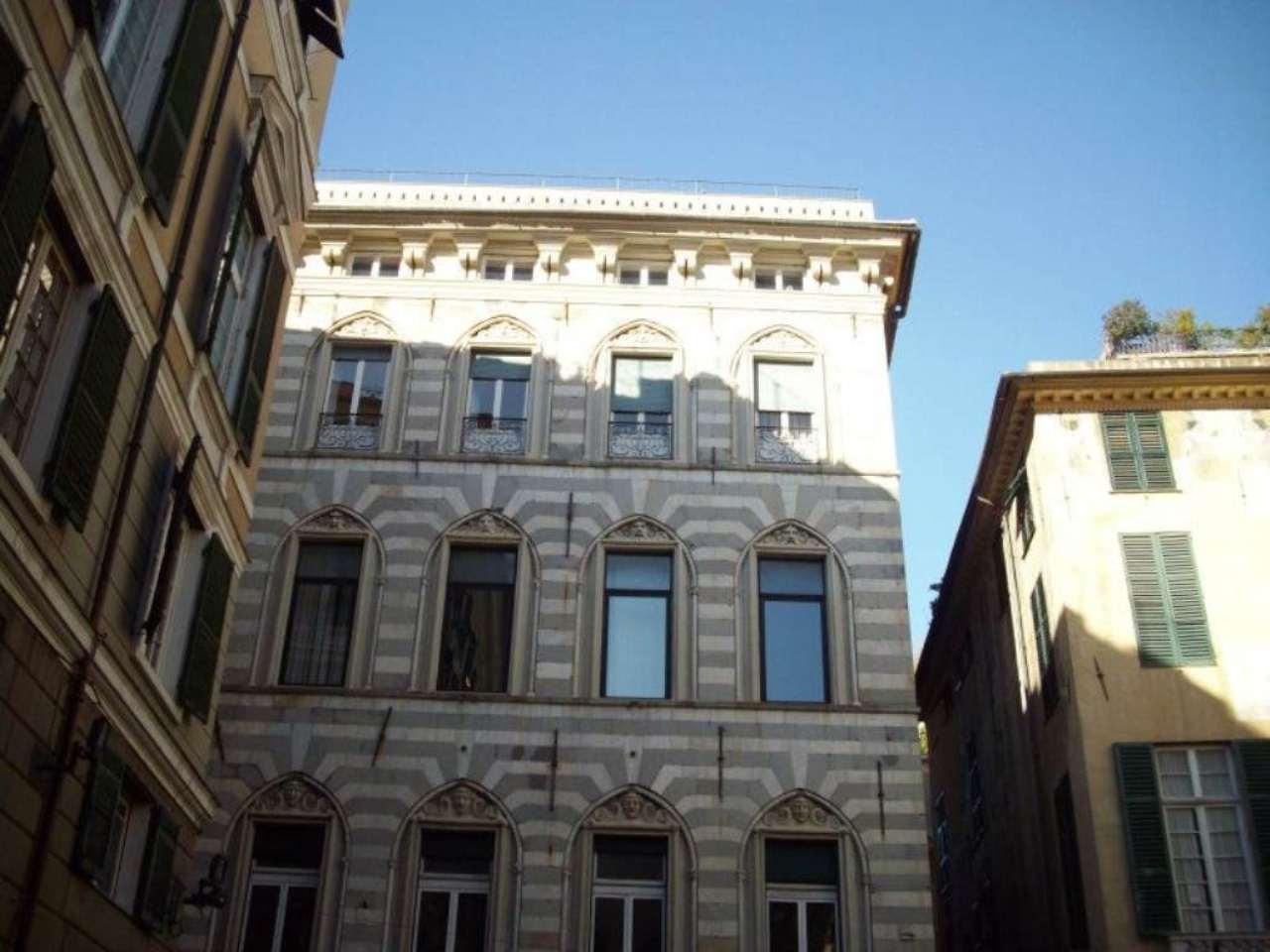 Ufficio / Studio in affitto a Genova, 5 locali, zona Zona: 1 . Centro, Centro Storico, prezzo € 1.100 | Cambio Casa.it