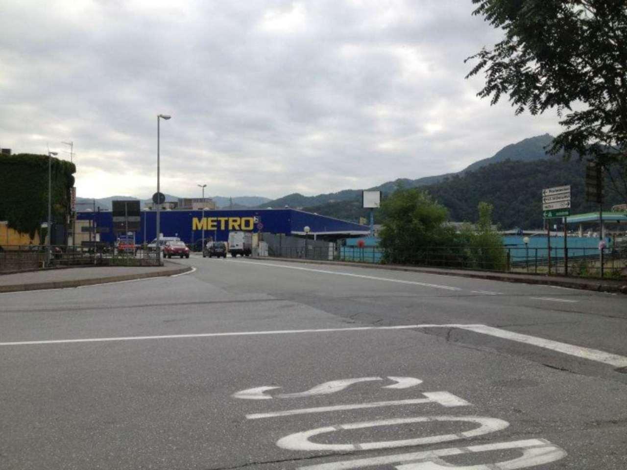 Magazzino in vendita a Genova, 9999 locali, zona Zona: 6 . Bolzaneto, Valpolcevera, Rivarolo, prezzo € 720.000 | CambioCasa.it