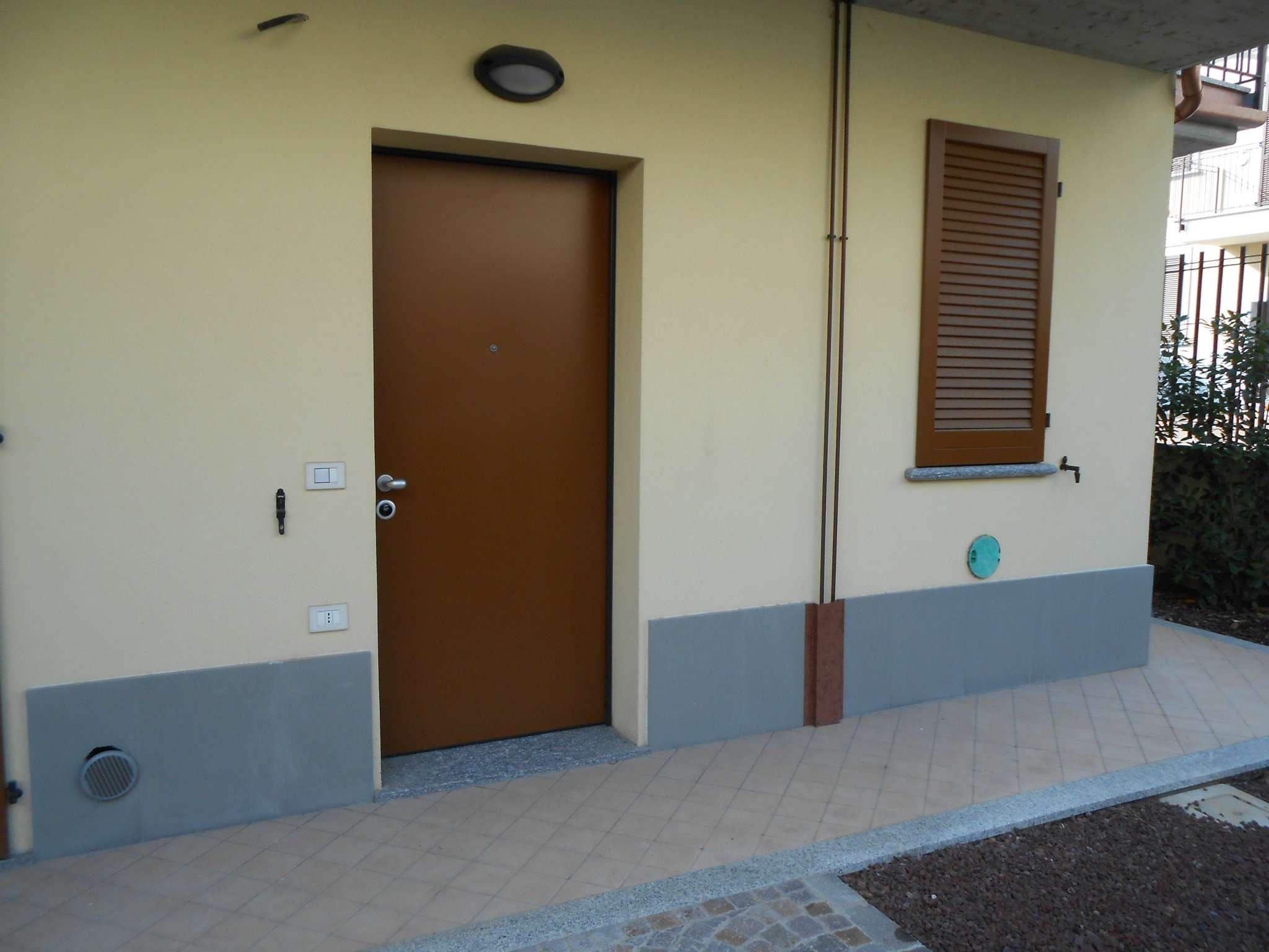 Bilocale Cavenago di Brianza Via Piave 5