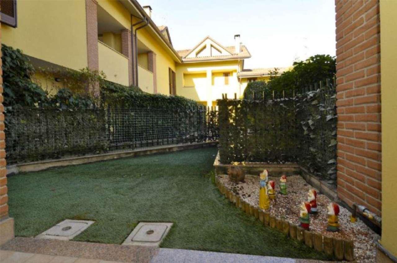 Bilocale Cavenago di Brianza Via Cristoforo Colombo 10