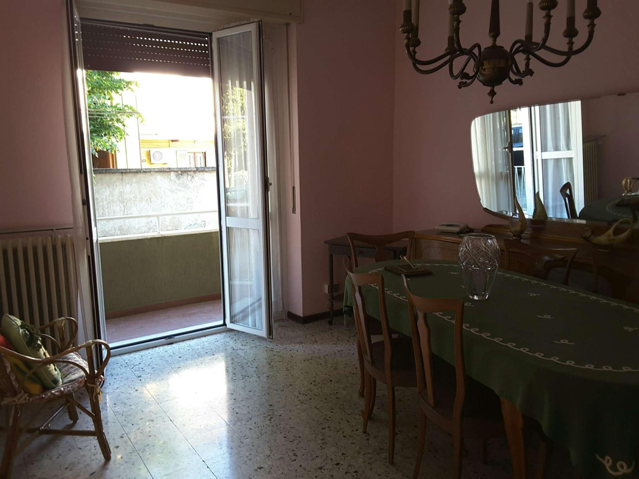Bilocale Cavenago di Brianza Via Roma 4