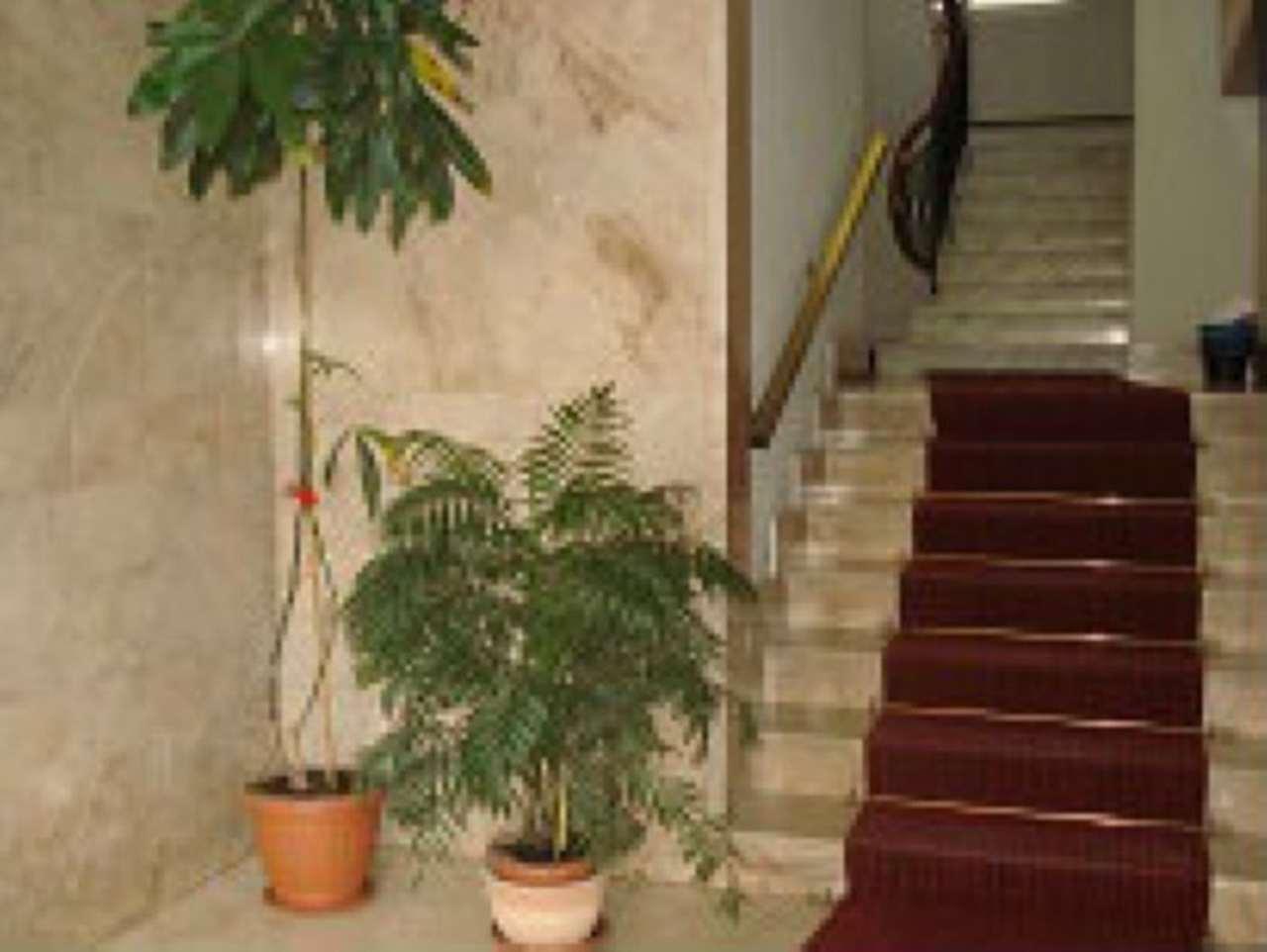 Bilocale Genova Via Onorato 3