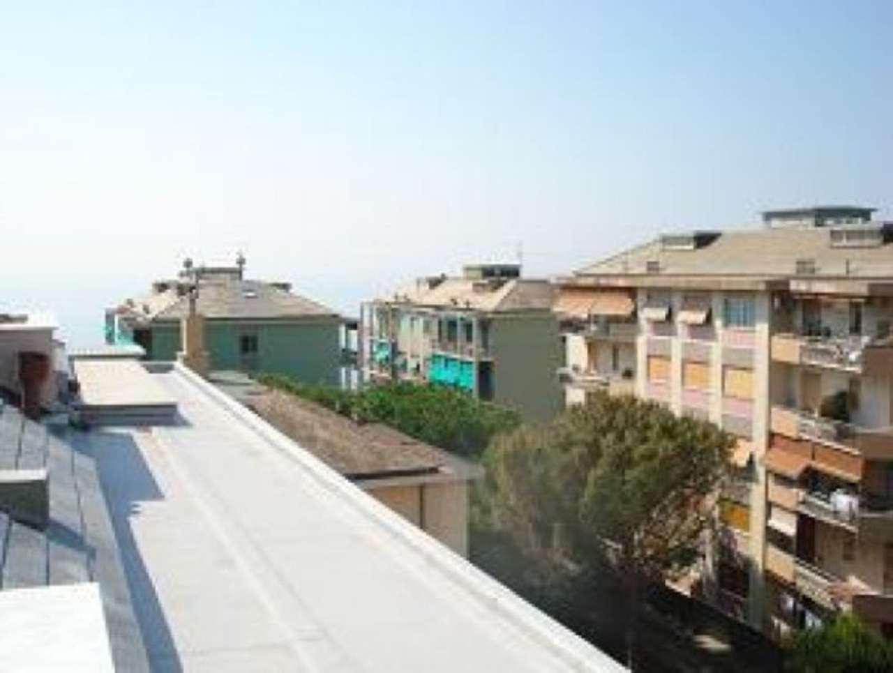 Bilocale Genova Via Fabrizi 1