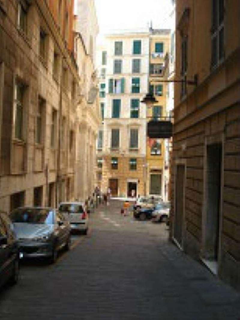 Bilocale Genova Via San Siro 8