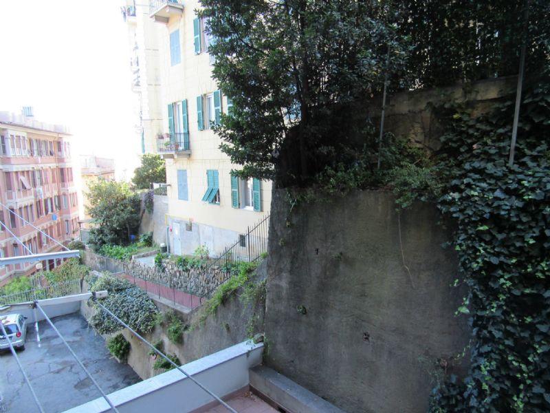 Bilocale Genova Via Cesare Cabella 6