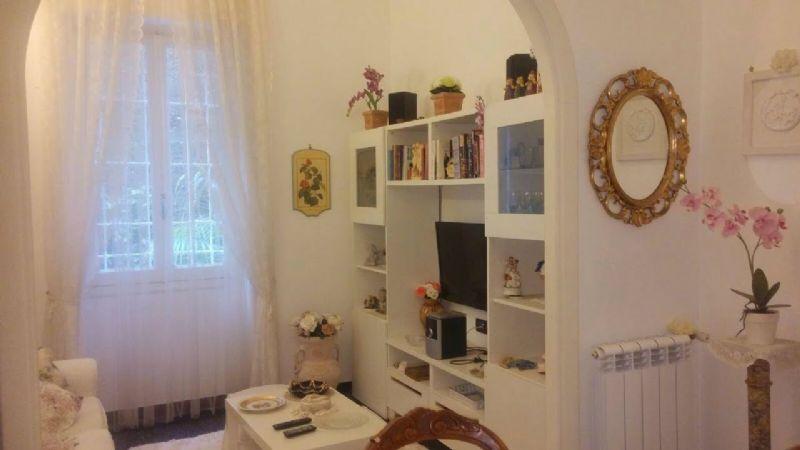 Bilocale Genova Via Ausonia 8
