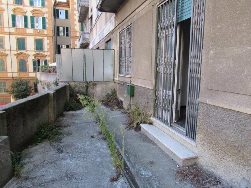 Bilocale Genova Via Cesare Cabella 5