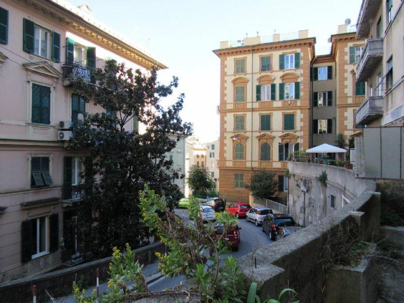 Bilocale Genova Via Cesare Cabella 11