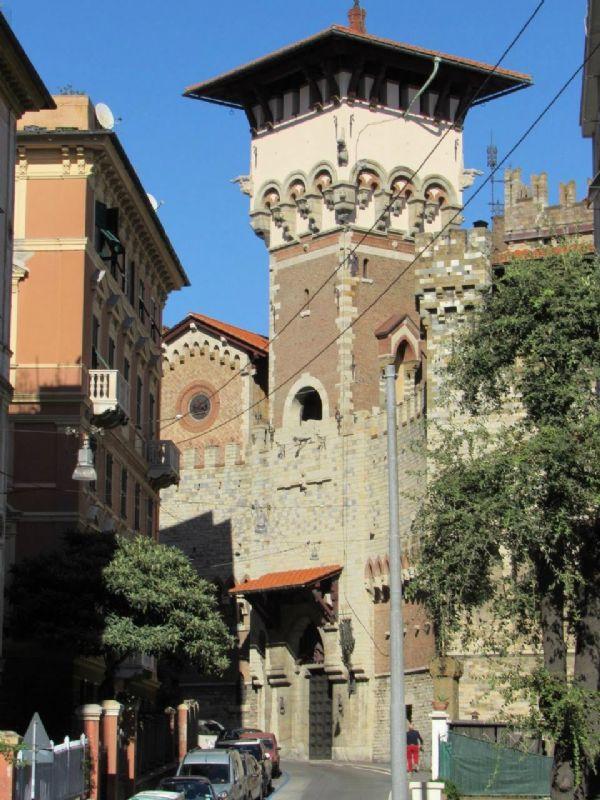 Bilocale Genova Via Cesare Cabella 13