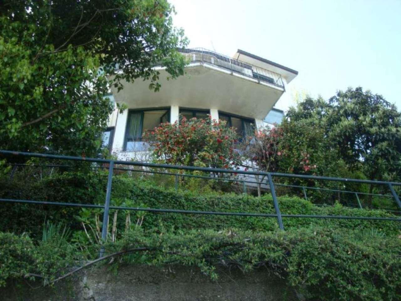 Villa in vendita a Massino Visconti, 6 locali, prezzo € 580.000 | Cambio Casa.it