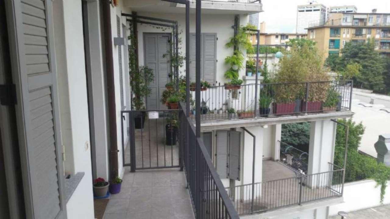 Bilocale Milano Via Guintellino 1