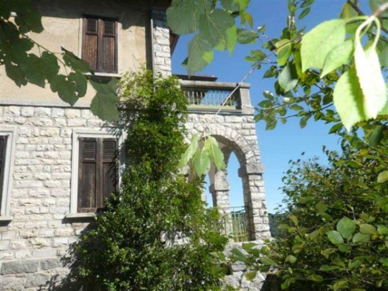 Villa in Vendita a Caglio