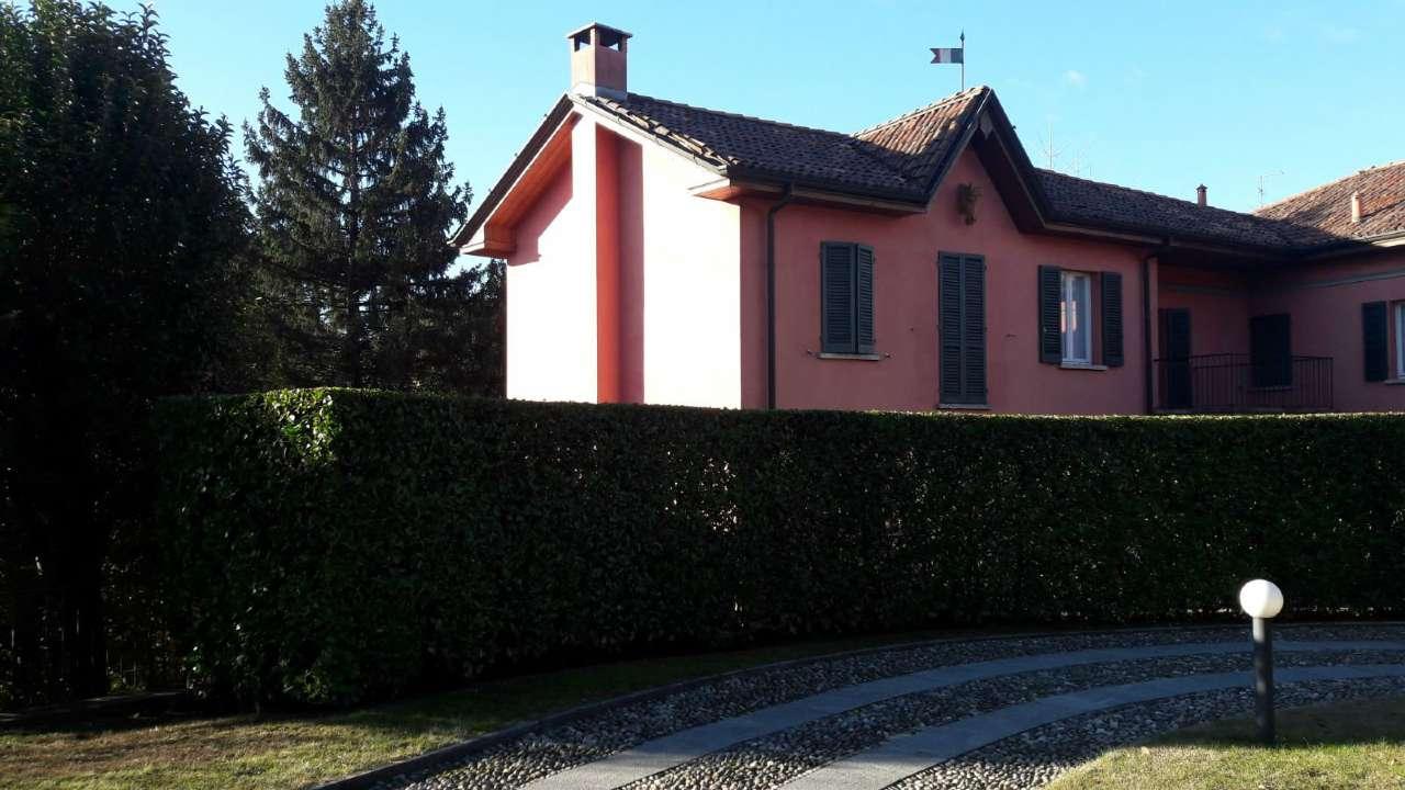 Villa in affitto a Lentate sul Seveso, 5 locali, prezzo € 1.500 | CambioCasa.it