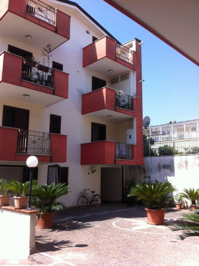 Appartamento in affitto a Capodrise, 2 locali, prezzo € 250   Cambio Casa.it