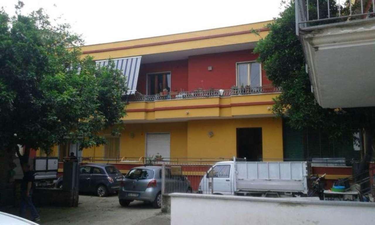 Appartamento in vendita a Capodrise, 8 locali, prezzo € 100.000 | Cambio Casa.it