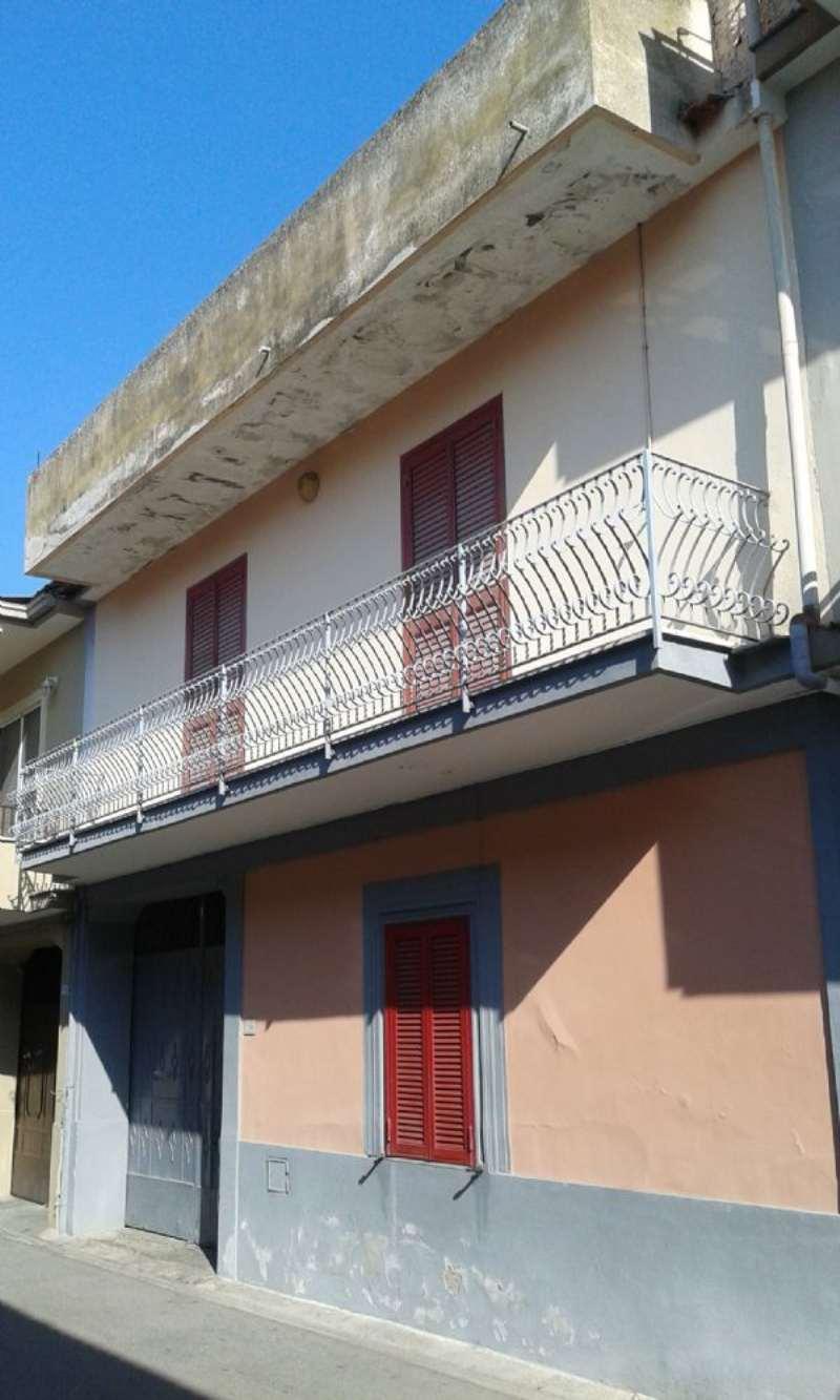 Soluzione Indipendente in vendita a Marcianise, 5 locali, prezzo € 210.000 | Cambio Casa.it
