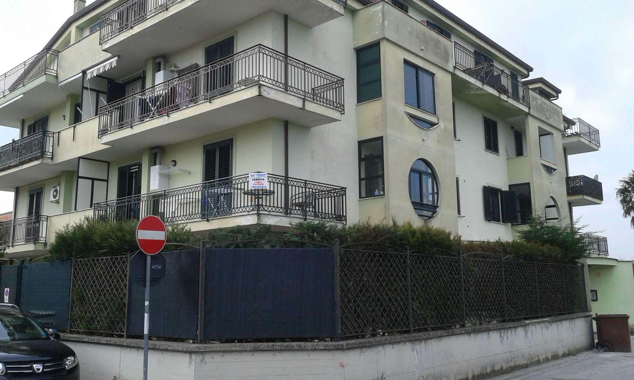 Appartamento in vendita a Capodrise, 3 locali, prezzo € 120.000 | CambioCasa.it