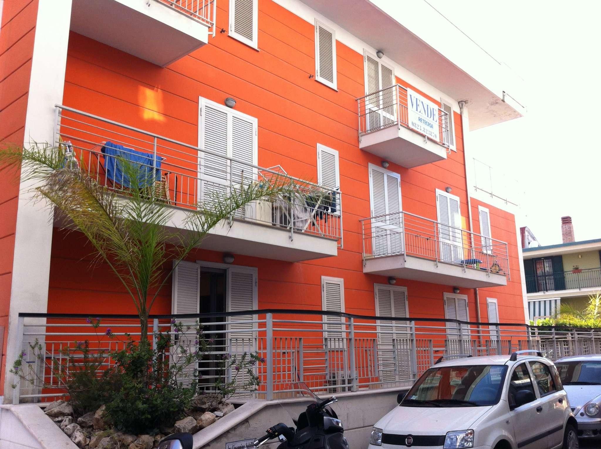 Appartamento in vendita a Marcianise, 4 locali, prezzo € 155.000   CambioCasa.it