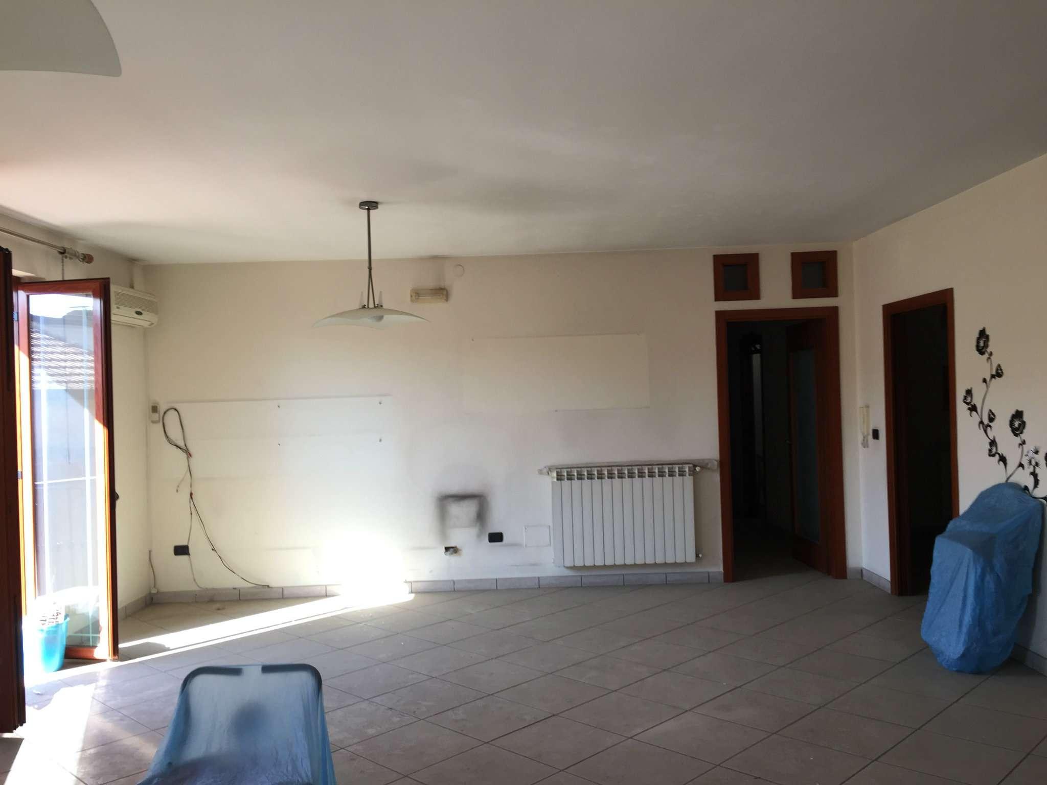 Appartamento in affitto a Marcianise, 4 locali, prezzo € 420 | CambioCasa.it