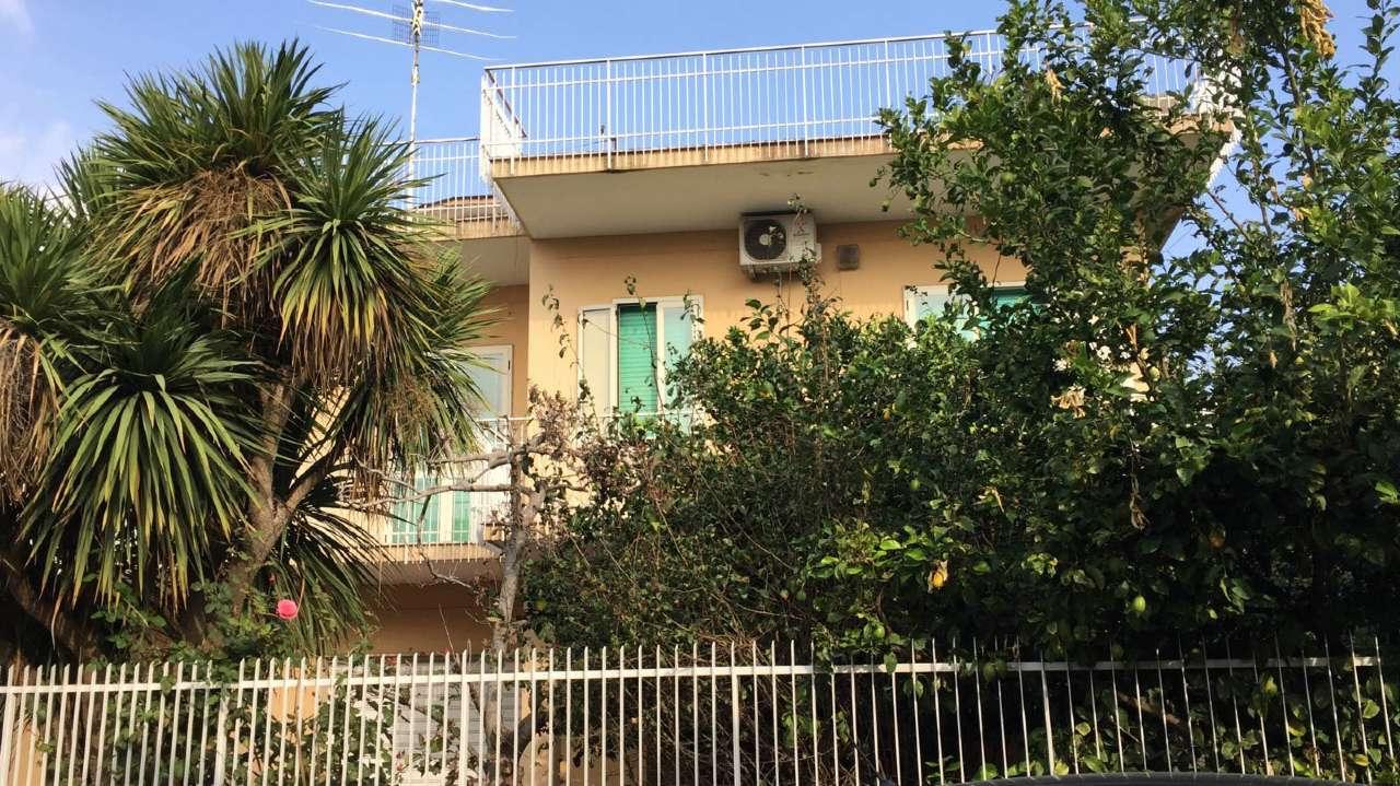 Soluzione Indipendente in vendita a Marcianise, 14 locali, prezzo € 320.000 | CambioCasa.it
