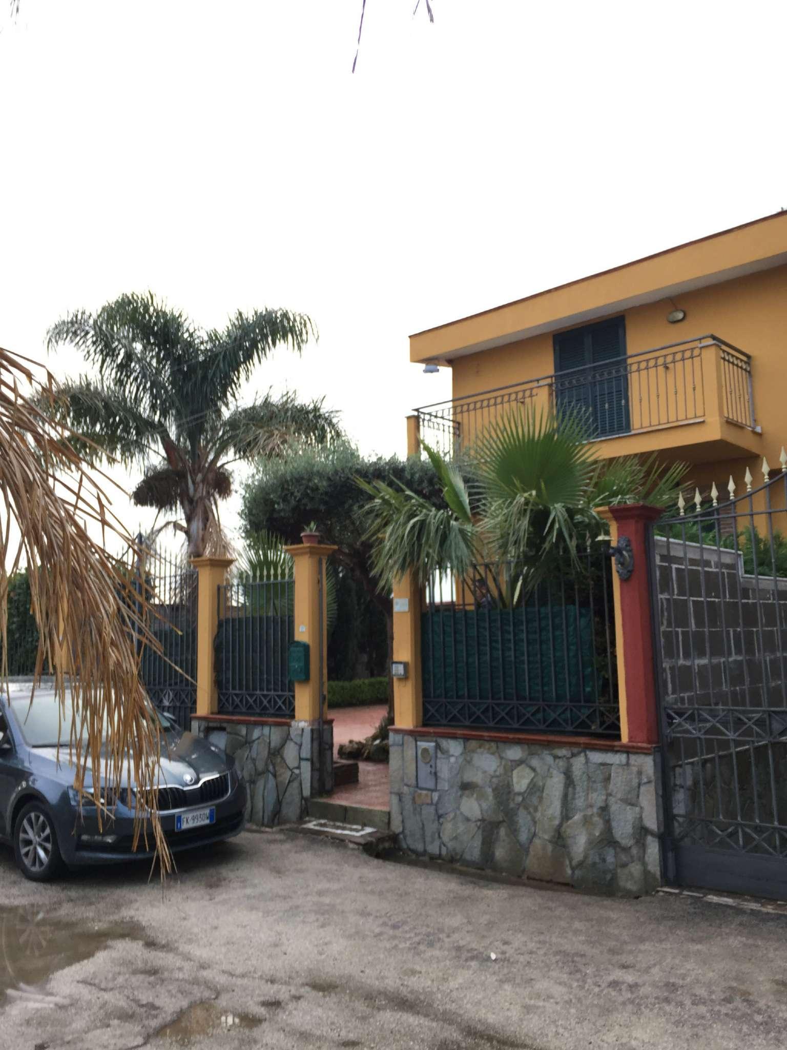 Soluzione Indipendente in affitto a Marcianise, 4 locali, prezzo € 400 | CambioCasa.it