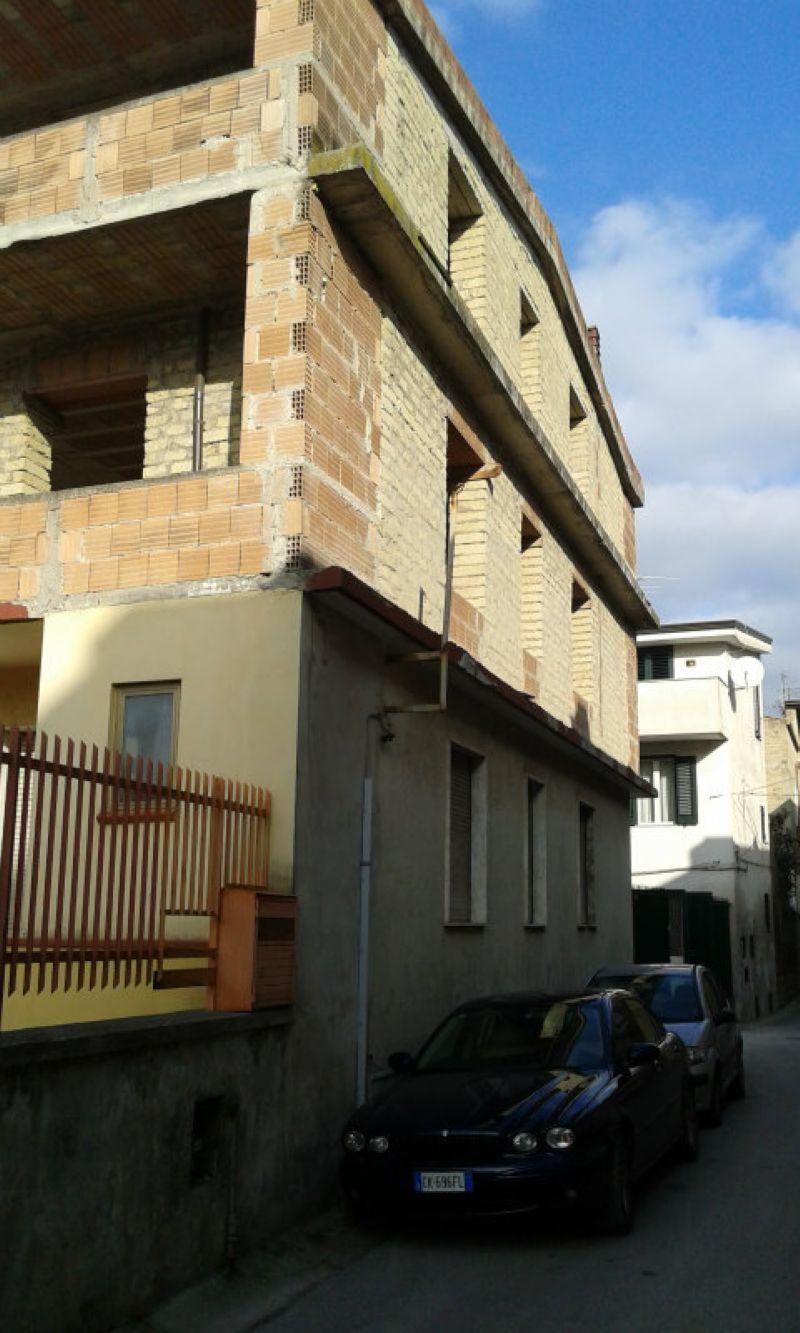 Soluzione Indipendente in vendita a Capodrise, 15 locali, prezzo € 255.000 | Cambio Casa.it